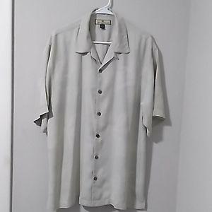 Tommy Bahama 100% Silk Hawaiian Button Up Shirt.